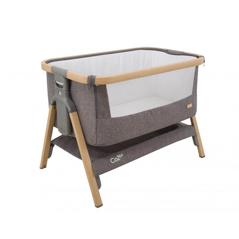 Cuna CoZee Bedside Crib de Tutti Bambini en el color oak and charcoal