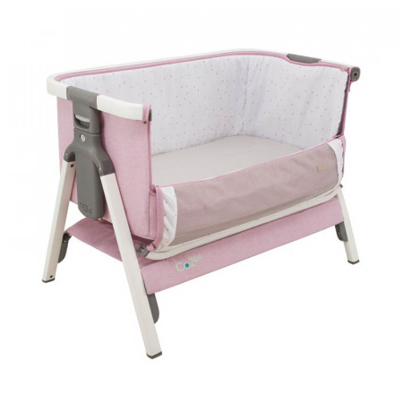 Cuna CoZee Bedside Crib de Tutti Bambini en el color white and dusty pink