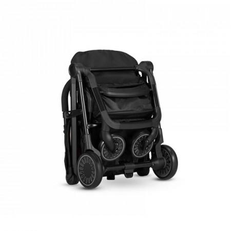 Silla de paseo Buggy XS de Easywalker en color Night Black. Plegado sencillo.
