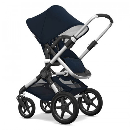 Cochecito Bugaboo Fox 2 classic Collection en el color azul marino