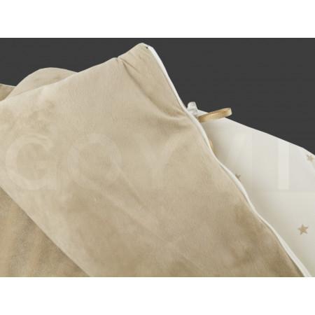Saco para capazo de la colección Clara de Uzturre en color piedra. Detalles de tejido.