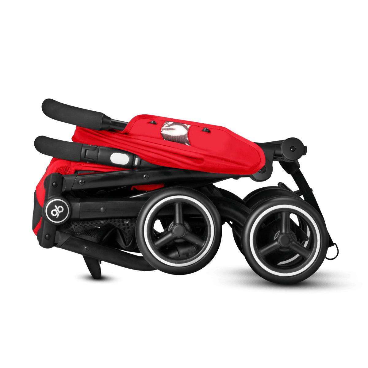 una silla de paseo muy compacta y fácil de pasear
