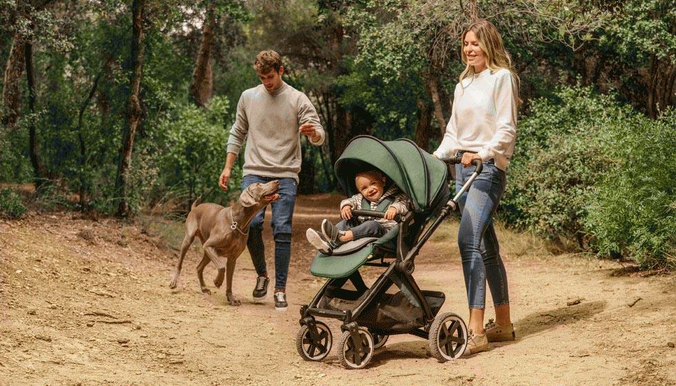 cochecito para bebé jane crosslight. Un cochecito ligero y manejable para pasear por ciudad y campo.
