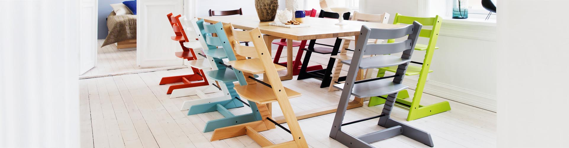 Trona evolutiva tripp trapp de stokke. Una trona para bebés que evoluciona a la vez que tu pequeño crece. Variedad de colores y accesorios.